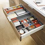 Zestaw elementów do wykonania szuflady Tandembox ANTARO z hamulcem bok M wysokość 83,6mm (zabudowa 98,5mm) kolor SZARY długość prowadnic 550mm wysuw...