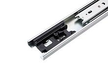 Wysokiej klasy prowadnica kulkowa firmy Accuride wykonana ze stali pokrytej jasnym cynkiem. Zintegrowany mechanizm dotykowego otwierania szuflady (poprzez...