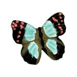 Gałka Z kolekcji Butterfly - motyw kolorowego motylka. Wykonana z tworzywa sztucznego.  Gałka w kształcie kolorowego motyla znajdzie zastosowanie w wielu...