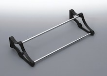 Stojak na obuwie 24 400-700 metal/tworzywo chrom/czarny Wyrób może uzupełniać wyposażenie szafy garderobianej. Stojak ten umożliwia przechowywanie...
