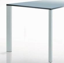 Noga do blatów stołowych o profilu łezkowatym z ekskluzywnej serii Elite Line GOCCIA. Najwyższa jakość wykonania i niebanalny kształt...