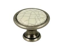 Gałka renomowanej firmy SIRO z kolekcji Romana. Wykonana z metalu w kolorze stare srebro oraz jasnobeżowa popękana porcelana. Do Gałki pasuje...