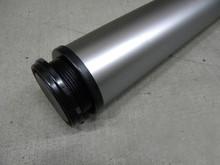Wyrób umożliwiający zmontowanie stolika lub podparcie blatu kuchennego drewnianego lub z płyty. Noga metalowa kolor chrom matz regulacją wysokości...