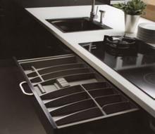 BRIDGE wkład do szuflad wykonane są z trwałego i estetycznego tworzywa w kolorze antracytowym o lekko chropowatej fakturze. Pozwala optymalnie wykorzystać...