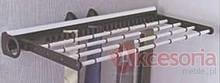 Wieszak Wysuwny na krawaty i spodnie J0103A.  Kolor pokrycia - aluminium. Wymiary - 450 x 215 x 81 mm  Pozwala optymalnie wykorzystać dostępną...