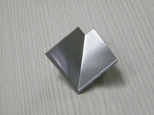 Narożnik listwy przyblat (K) LB23 wew.tworzywo alumin.satyna 611 - IMPORT