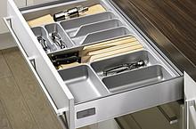 Do uniwersalnego zastosowania Dla długości nominalnych 420, 470, 520 i 620 mm Możliwość uzupełnienia o uchwyt do noży i/lub uchwyt do pojemników na...