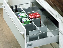 OrgaStore 100 organizacja wewnętrzna do szuflad InnoTech z relingiem do korpusu o szer. 800 mm wykonany z tworzywa sztucznego, w kolorze...