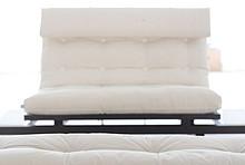 Bardzo oryginalna i praktyczna sofa. Kanapa, podnóżek, stolik i łóżko w jednym! Materac w zestawie. • Materiał: drewno sosnowe, lakierowane, kolor...