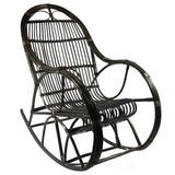 Oryginalny fotel bujany, wykonany z wikliny, barwionej na odcień ciemnego brązu.  Fotel wykonany jest ręcznie, przez polskich rzemieślników. ...