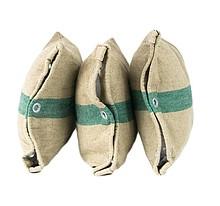 Poduszka wykonana z płótna pochodzącego z recyklingu.  Poszewka z zamkiem, zdejmowana.  Wymiary: 32 cm x 45 cm