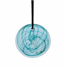 Szklana dekoracja na skórzanym rzemieniu. Ręcznie wykonana. Kolor turkusowy.