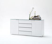 JULIAto seria stylowych, lakierowanych mebli, które sprawdza się w wielu różnorodnych wnętrzach. Wszystkie wyróżniają się bardzo prostą...