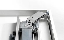 Zestawy z Silent System w kierunku otwierania i zamykania Zestawy są skompletowane W przypadku szaf 2-drzwiowych wymagany jest 1 zestaw Komplet składa się...