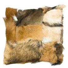 Oryginalna poduszka wykonana z miękkiej koziej skóry, pochodzącej z recyclingu. Miła w dotyku. Odcienie brązu. Produkt ręcznie wykonany w Polsce. ...