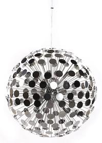 """Atmosfera """"retro disco"""" gwarantowana! Lampa DISCO została wykonana z wielu fasetek ze stali chromowanej, gwarantując rozległe rozprzestrzenianie się..."""