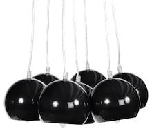 Gwarantowany wygląd retro! Lampa wisząca EKLEKTIK charakteryzuje się zestawem 7 kul z barwionego metalu, oferująca rozległe rozprzestrzenianie się...
