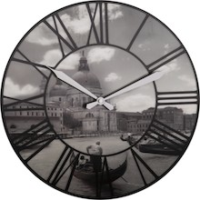 Venice to zegar w stylu retro. Czarno-biała tarcza z widokiem Wenecji jest trójwymiarowa. Rzymskie cyfry wpisane w okrąg i pięknie zakończone białe...