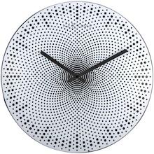 Zegar 3131 Dots zaprojektowany przez Chantal Drenthe, wyposażony jest w mechanizm płynący zasilany za pomocą baterii typu AA. Zegar wykonany z tworzywa...