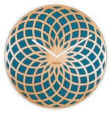 Zegar 3149 TQ Sun Large zaprojektowany przez Jette Scheib, wyposażony jest w mechanizm płynący zasilany za pomocą baterii typu AA. Zegar wykonany z drewna...
