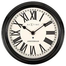 Zegar 3152 ZW Amsterdam zaprojektowany przez NeXtime, wyposażony jest w mechanizm płynący zasilany za pomocą baterii typu AA. Zegar wykonany z metalu w...