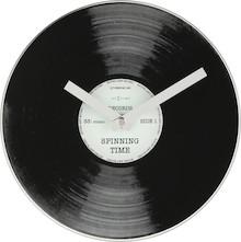 """Zegar 5163 """"Little Spinning Time"""", którego projektantem jest Tycho Merijn, posiada mechanizm skokowy zasilany za pomocą baterii typu AA. Zegar..."""