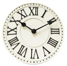 London Table to niezwykle efektowny zegar stojący, który stanie się wyjątkową ozdobą każdej aranżacji. Dostępny jest w trzech wyrazistych wariantach...