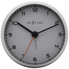 Company to niewielki, ale niebywale stylowy zegar stojący, który sprawdzi się praktycznie wszędzie. Może być doskonałym rozwiązaniem do gabinetu,...