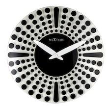 Zegar 8182 ZW Dreamtime zaprojektowany przez Ewald Winkelbauer, wyposażony jest w mechanizm płynący zasilany za pomocą baterii typu AA. Zegar wykonany z...