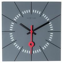 Zegar Stazione dostępny jest w kilku wariantach różniących się kolorystyką, dzięki czemu każdy wybierze coś odpowiedniego dla siebie. To produkt o...