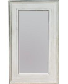 Potężne lustro w prostej, szerokiej ramie. Rama lustra wykonana jest z drewna i pokryta białym lakierem (przecieranym). Tafla lustra jest kryształowa,...