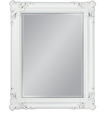Barokowe lustro w wytwornie zdobionej, białej ramie. Rama lustra wykonana jest z drewna i pokryta białym lakierem. Tafla lustra jest kryształowa. Posiada...