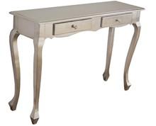 Komódka wykonana jest z drewna. Pokryta jest srebrnym szlagmetalem. Komódka jest dostępna w kolorze złotym (szlagmetal) oraz białym przecieranym....