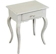 Stylowa komódka pokryta białym lakierem przecieranym, wykonana z wysokiej jakości drewna, posiada stylizowane nóżki.  Komódka ma szufladę na drobne...
