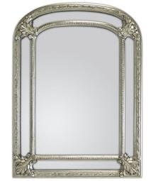 Rama lustra wykonana jest z masy PU. Pokryta jest srebrnym szlagmetalem. Szlagmetal to cieniutkie listki metalu ręcznie nakładane i przecierane kamieniem...