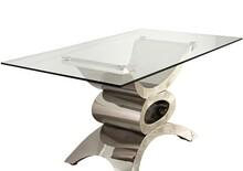 Stół wykonany jest ze stali nierdzewnej. Blat jest ze szkła hartowanego.  Wymiary:  szerokość (cm) 150 głębokość (cm) 90 wysokość (cm) 73