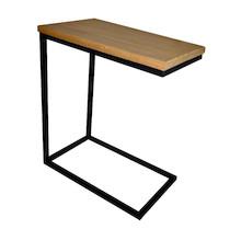 STOLIK LARGO POMOCNIK PROSTY Prosta konstrukcja i drewno naturalne, to dwa kluczowe elementy do uzyskania mebla, który znajdzie zastosowanie w wielu...