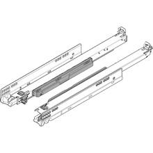 Kryta prowadnica wałkowa MOVENTO 766H firmy Blum do szuflad drewnianych. Posiada zintegrowaną funkcję TIP-ON (Otwieranie bez uchwytów, przez...