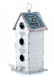 Domek dla ptaków Bertoni dostępny jest w kilku wariantach różniących się kształtem, wymiarem i kolorem.  To produkt bardzo pomysłowy, na pewno...