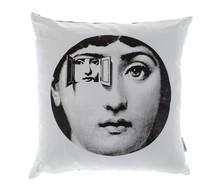 Niebanalne poduszki ozdobne z serii VeraMoDotti wniosą do każdego wnętrza mnóstwo bardzo ciekawego, oryginalnego charakteru. Dostępne jest kilka wzorów,...