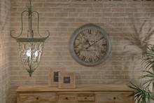 Bogato zdobiona lampa wisząca Mazine będzie wyjątkowa dekoracją w każdym wnętrzu.  Prezentuje się bardzo ciekawie i sprawi, że nawet prosta...