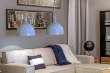 Lampa wisząca Mazine- Loft 76 to znakomite rozwiązanie do wszystkich nowoczesnych wnętrz.  Wyróżnia się bardzo prostą, gustowną, ale i ciekawą...