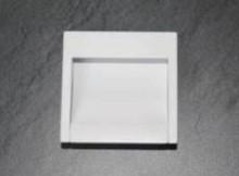 Uchwyt metalowy wpuszczany kolor biały Zastosowanie uniwersalne  Rozstaw otworów - 32 mm Długość całkowita uchwytu- 54 mm