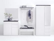 Dostępne wersje kolorystyczne:  - biały mat  W skład zestawu wchodzą:  - szafa 2-drzwiowa z 3 szufladami - ławka z 2 szufladami - szafka na buty...