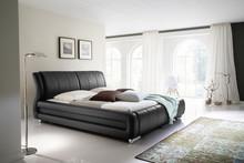 Eleganckie i komfortowe łóżko tapicerowane BOLONIA zapewni Ci komfortowy sen. Wykonane z miękkiej ekoskóry, nadaje sypialni przytulności oraz elegancji....