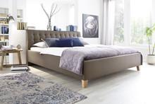Ekskluzywne tapicerowane łóżko LUKE jest zarazem nowoczesne oraz przytulne. Obicie zostało wykonane z wysokogatunkowej tkaniny, łóżko posiada ozdobne...