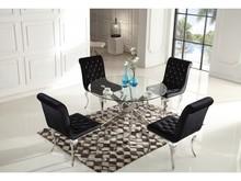 TABLE Ringo I to seria stołów która powstałą z myślą o małych minimalistycznych przestrzeniach wnętrz . Dzięki czterem nogom przenikających się...