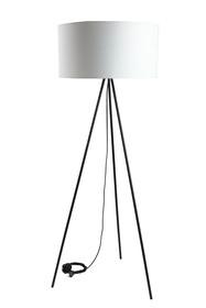 Nowoczesna lampa podłogowa o ponadczasowej formie w kolorze białym.  Czarna podstawa.  Wyprodukowano w Polsce.  Specyfikacja:  wysokość: 136...