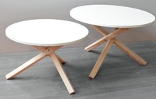Stolik TRIPLE o średnicy blatu 80 cm i wysokości 52 cm to funkcjonalny i o niepowtarzalnym kształcie stolik kawowy z okrągłym blatem. Oryginalny kształt...