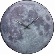 Zegar 3164 Moon Dome zaprojektowany przez NeXtime, wyposażony jest w mechanizm płynący zasilany za pomocą baterii typu AA. Zegar wykonany ze szkła w w...